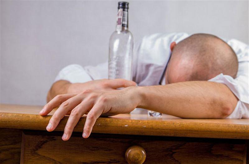 Пьяный павлодарец заявил о похищении жены. Оказалось, что женщина была на работе