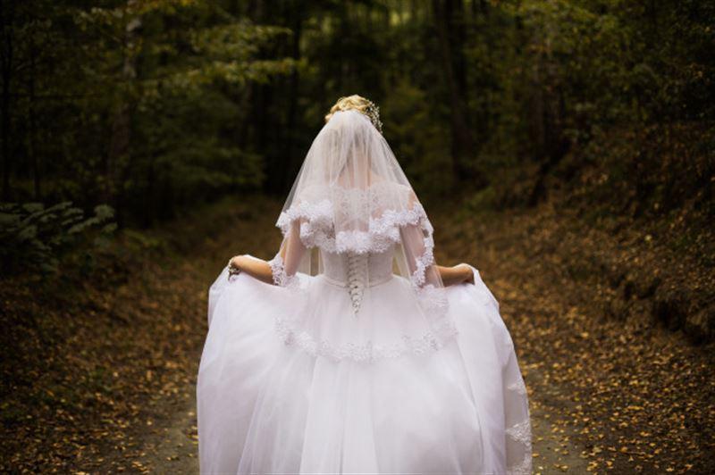 Американка рассталась с парнем и вышла замуж за саму себя