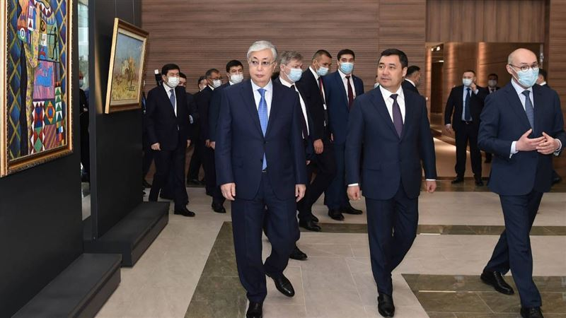 Президенты Казахстана и Кыргызстана посетили финансовый центр «Астана»