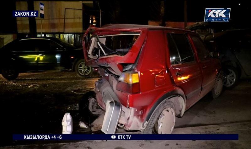 Пьяный угонщик устроил массовую аварию в Алматы