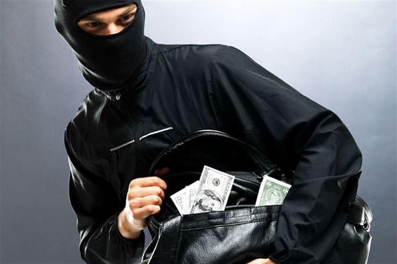 В Павлодаре задержан вооруженный грабитель