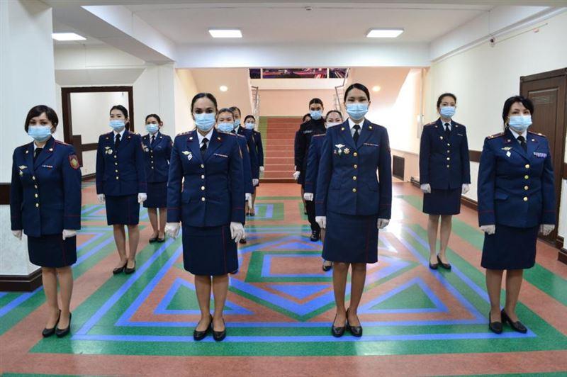 Более тысячи женщин работает в полиции Алматы