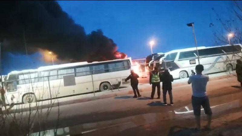 Теңіз кенішінде 5 жолаушылар автобусы өртенді