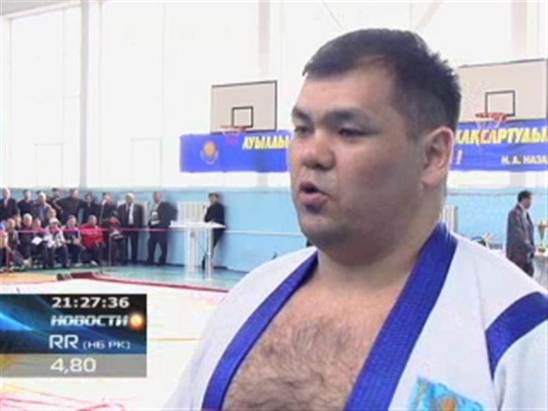 На «Казахстан барысы» отбирают лучших борцов в районах и областях