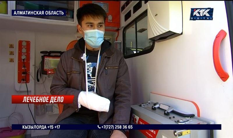 Фельдшера избили за запрет распивать пиво в машине скорой помощи