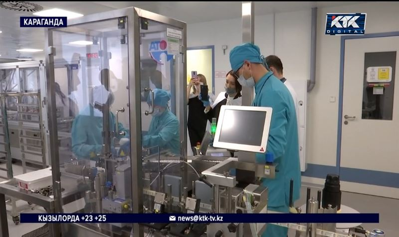 Журналисты КТК увидели, что делают со «Спутником V» в Караганде