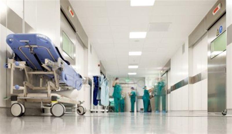 Пациент с коронавирусом сбежал из больницы в Уральске