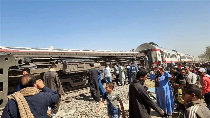 Из-за чего в Египте произошло столкновение двух поездов