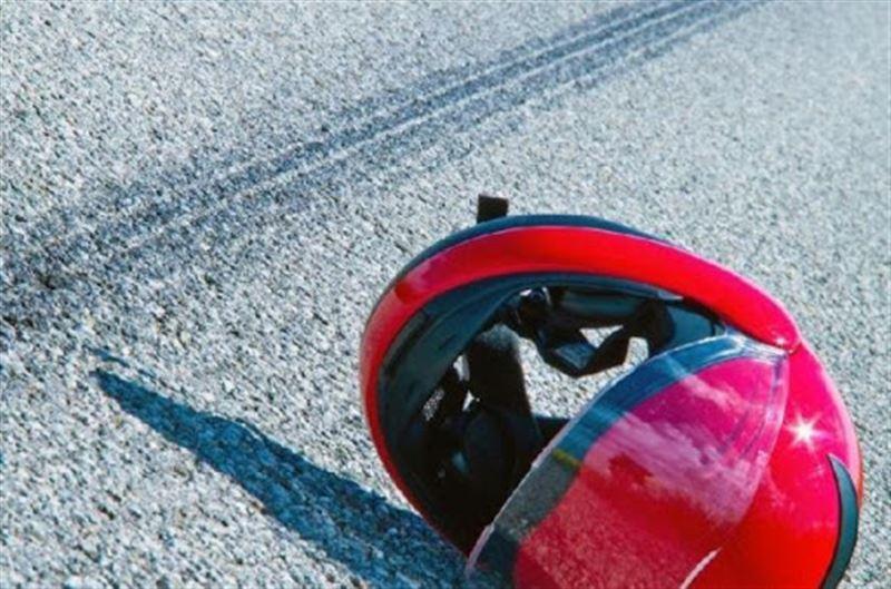 В Нур-Султане 17-летний водитель мотоцикла скончался при столкновении с фонарем