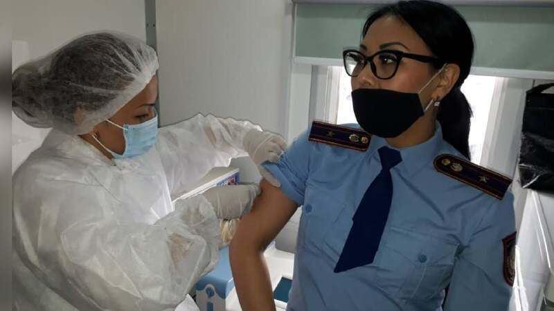 Работники колонии вакцинировались от коронавируса