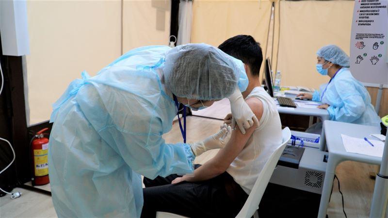 Свыше 65 тыс человек получили вакцину от коронавируса в Нур-Султане