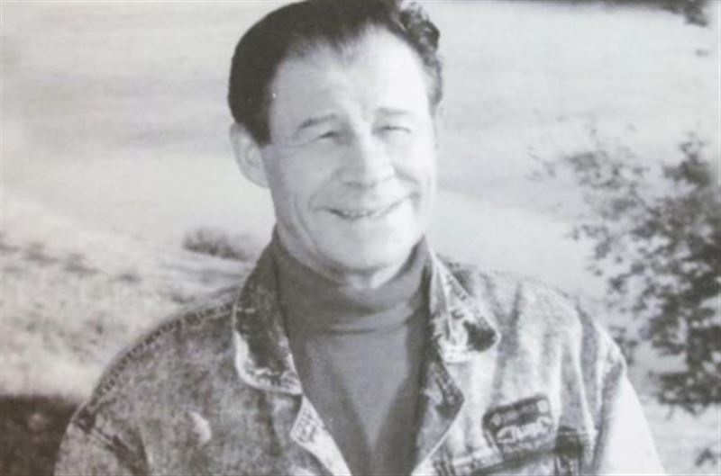 В возрасте 83 лет скончался казахстанский поэт Семерьянов