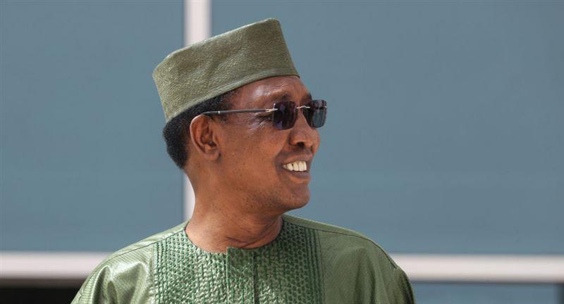 Чад президенті сайлаудағы жеңісін тойлап жатып қайтыс болды