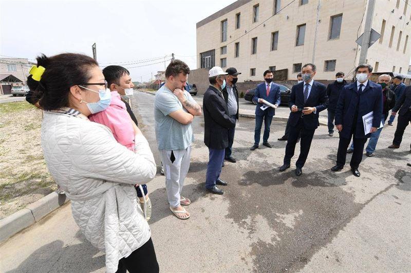 Сагинтаев ознакомился с проектами развития социальной инфраструктуры Алатауского района