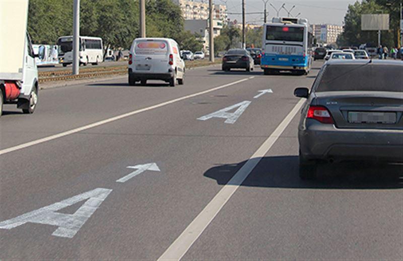 Глава государства поручил пересмотреть использование полос для автобусов
