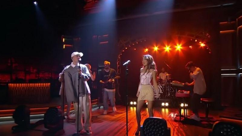 Артисты из Казахстана Dequine и Dose исполнили совместную песню в программе «Вечерний Ургант»
