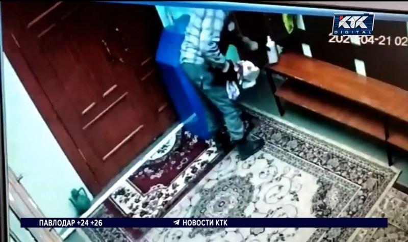 Акмолинец пытался выкрасть пожертвования из мечети