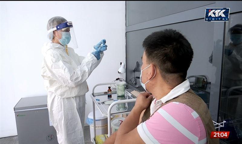 «Будет больше шансов заразиться»: медики об увеличении интервала между прививками