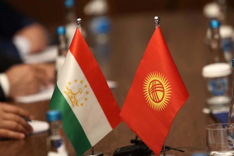 Кыргызстан и Таджикистан отвели войска от границы