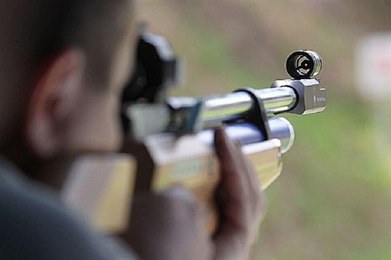 15-летний ранил из пневматической винтовки двух девушек