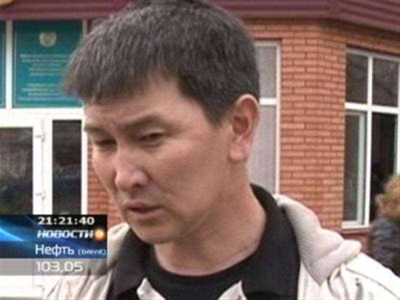В Уральске начался суд по делу о нападении на журналиста Лукпана Ахмедьярова