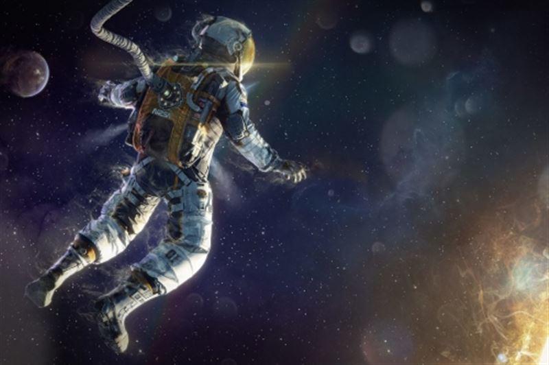 Богатейший человек планеты выставил на аукцион полет в космос