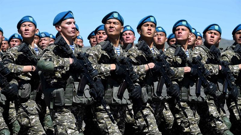 Сегодня казахстанцы отмечают День защитника Отечества