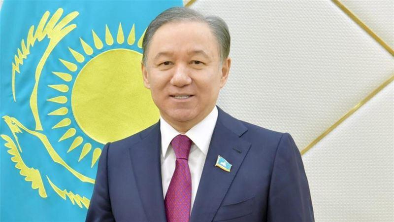 Нигматулин поздравил казахстанцев с Днем защитника Отечества