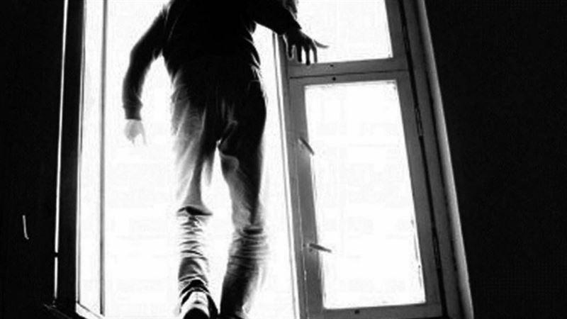 Нұр-Сұлтанда ішімдікке сылқия тойған ер адам көпірден секірді