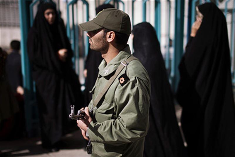 Иранца-гея обезглавили его братья