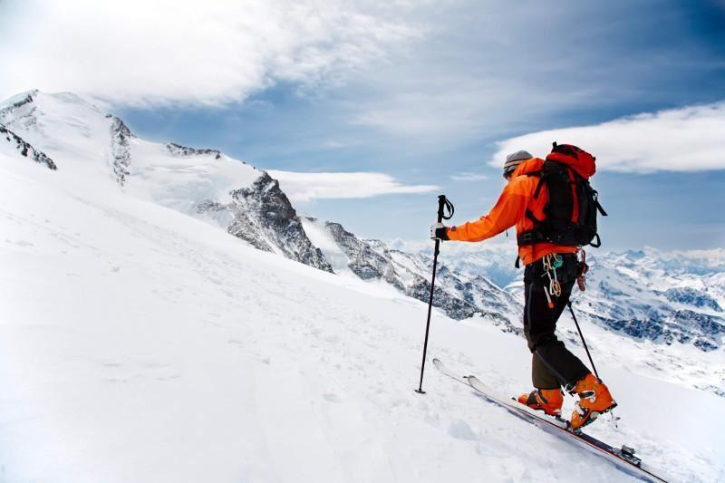 Эверестке шықпақ болған екі альпинист қаза тапты