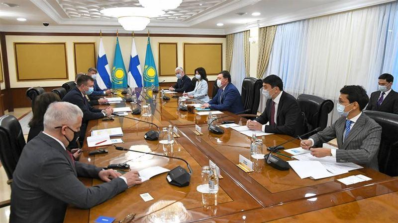 Какие документы были подписаны по итогу встречи Мамина с министров торговли Финляндии
