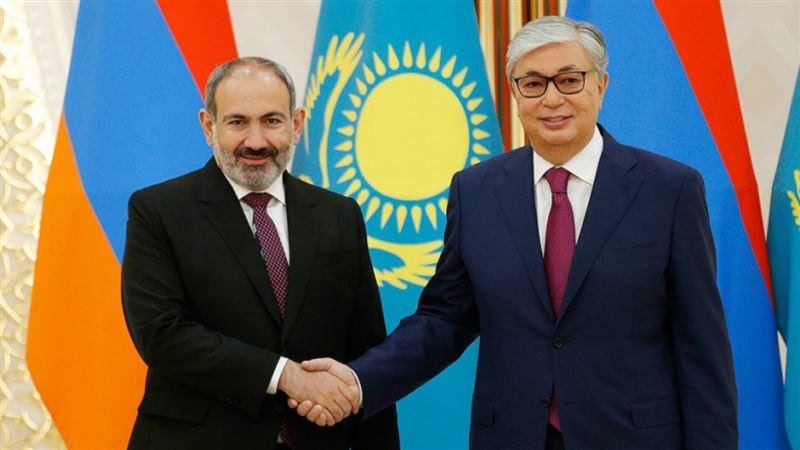 Токаев и Пашинян обсудили ситуацию на армяно-азербайджанской границе