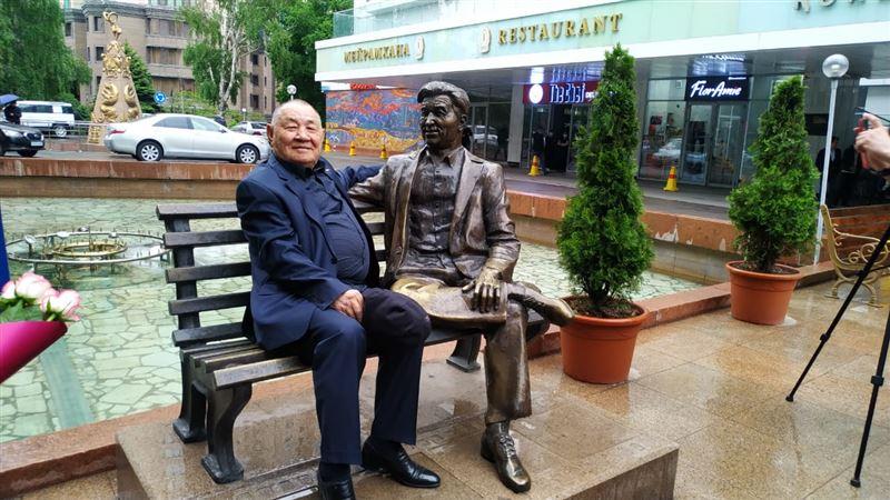 Мемлекет басшысы ҚР халық әртісі Нұржұман Ықтымбаевты мерейтойымен құттықтады