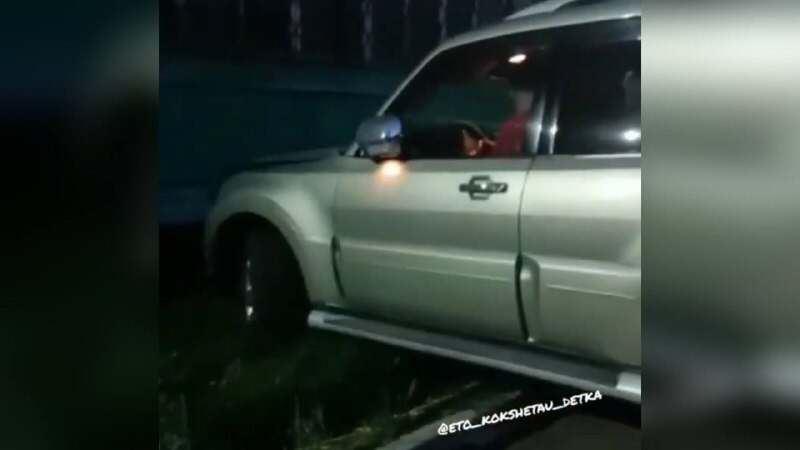 Ребенок за рулем иномарки совершил ДТП в Кокшетау