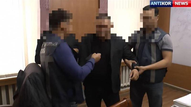 К 4,5 годам тюрьмы приговорили бывшего акима Аягоза