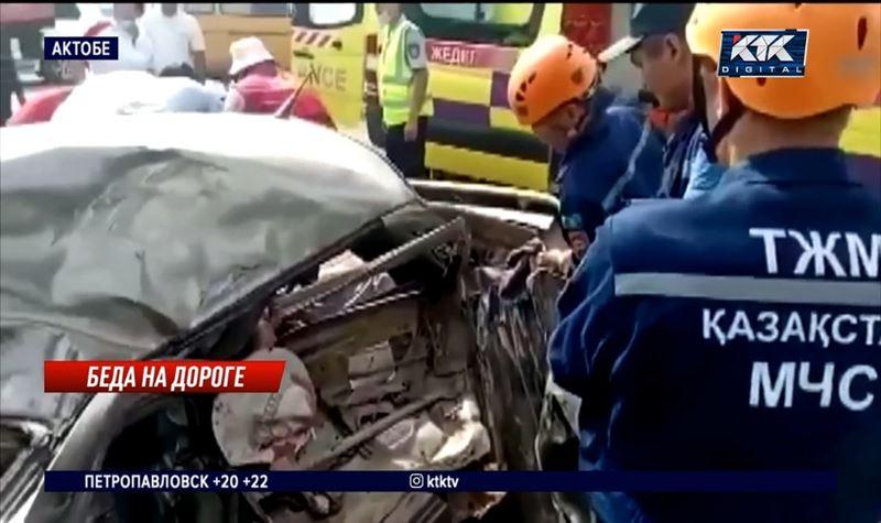 ДТП в Актобе: три человека погибли, трое – в больнице