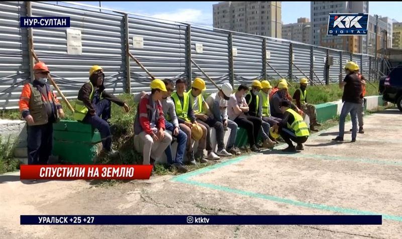 Строители «Абу-Даби Плаза» не вышли на работу, требуя выплаты зарплаты