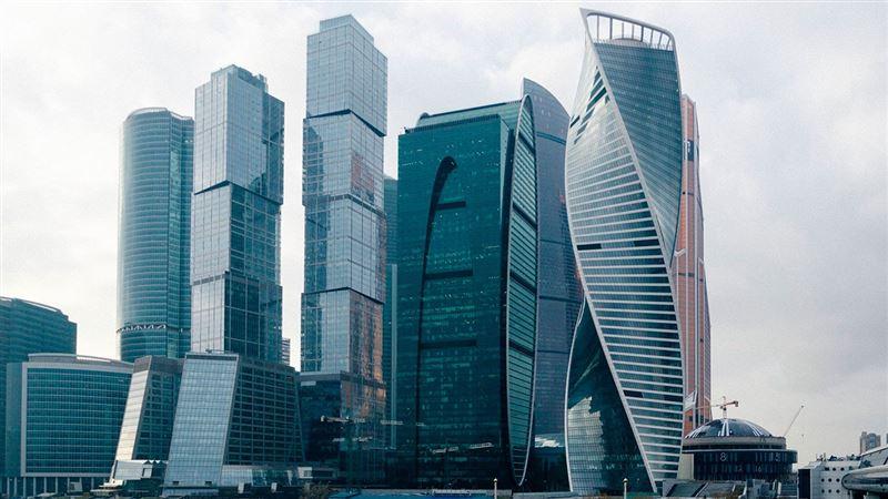 СМИ: девушка из Казахстана разбилась насмерть, упав с небоскреба в Москве
