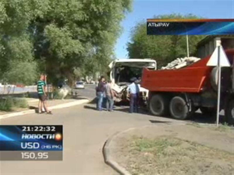 В Атырау пассажирский автобус сбил 11-летнего мальчика