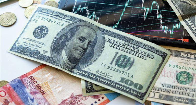 Курс доллара немного снизился по отношению к тенге
