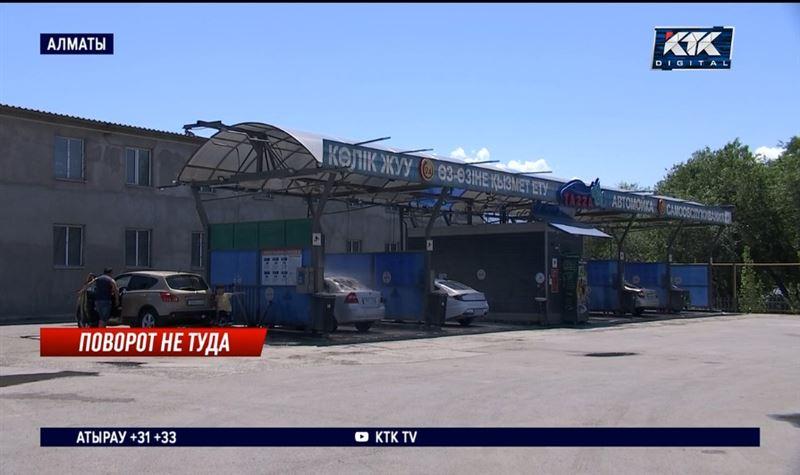 Полицейский, насмерть сбивший пешехода в Алматы, признал вину