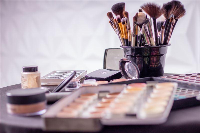 Ғалымдар танымал брендті косметикалардың құрамында зиянды заттар барын анықтады