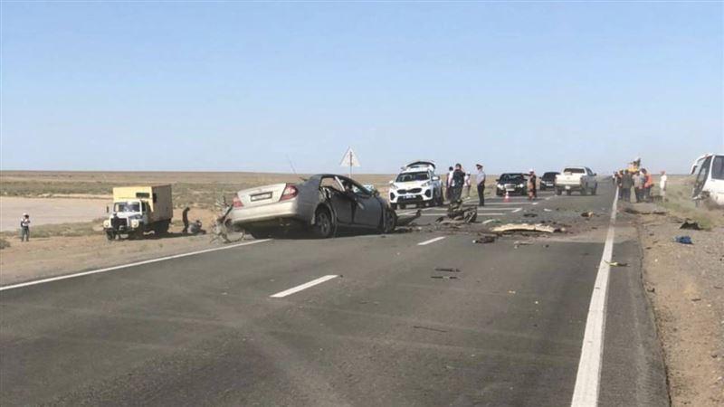 Авария в Атырауской области унесла жизни троих
