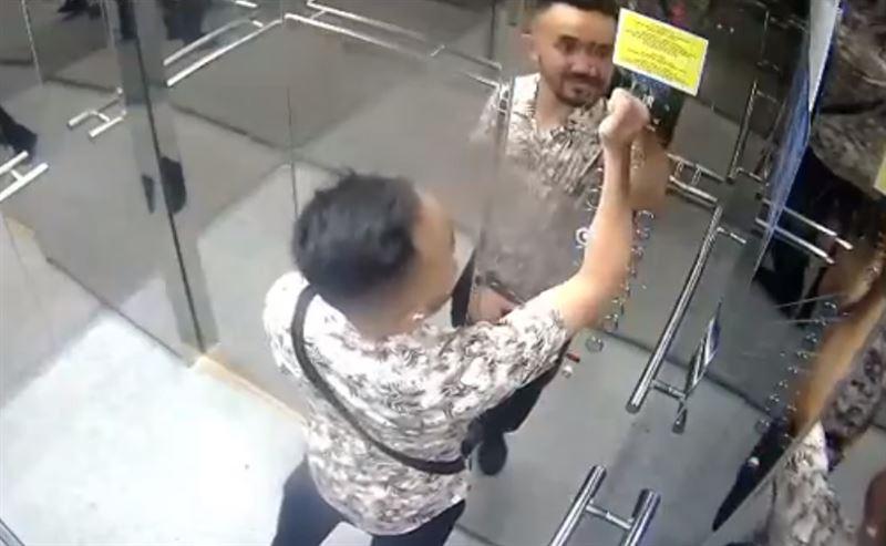 34-летний столичный житель разбил панель лифта