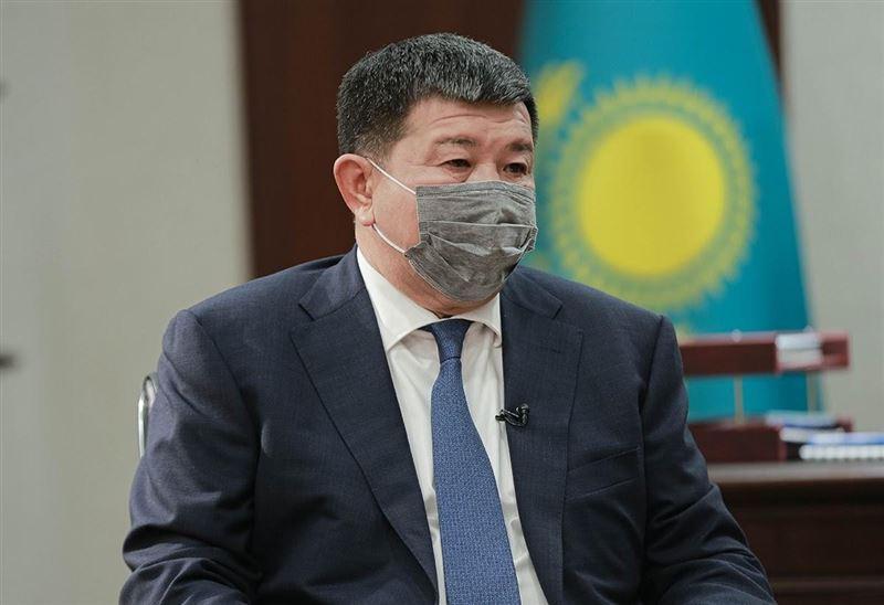 Атырау облысының әкімі журналистерге неге үйде тамақтанбайтынын айтты