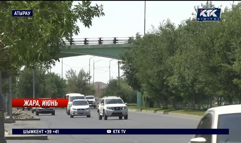 Экстремальная жара в Казахстане: дети – в фонтанах, медведи – в бассейнах