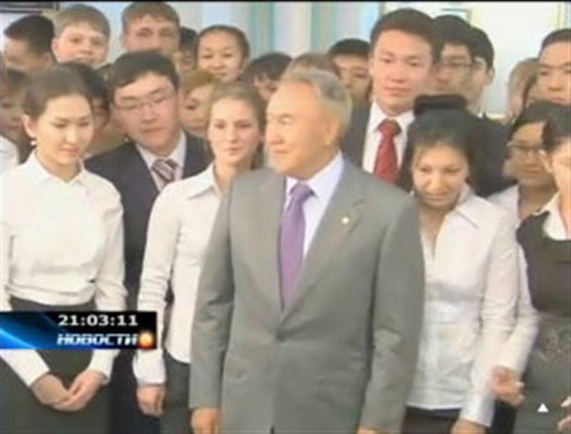 С лучшими одиннадцатиклассниками сегодня встретился Президент страны