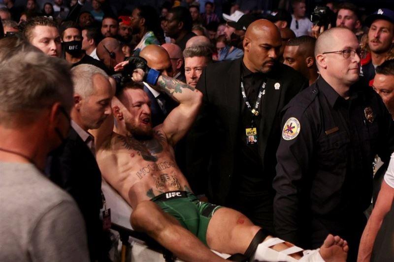 Макгрегор повредил ногу и проиграл Порье