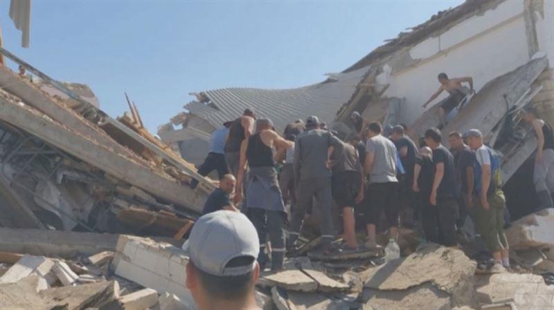 Два человека погибли при обрушении в колонии в Актау